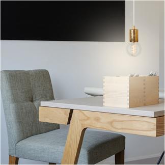 Einfache Verbindung: Glühbirne mit Leuchtmittel